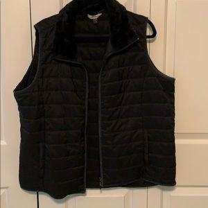 Black vest with faux fur collar